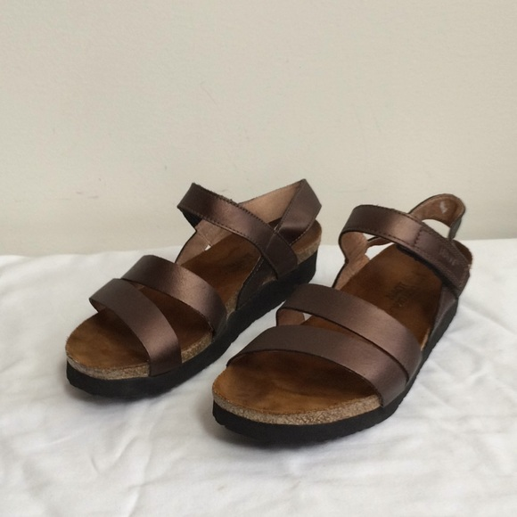428dba407ae Naot Kayla Sandals Copper Leather. M 5aad7be872ea88357399c0c1